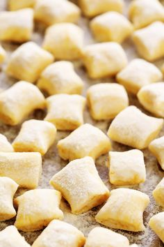 Ricotta Gnocchi LOVE this ricotta gnocchi recipe! It's super quick and easy to make with just 4 ingredients, and perfectly light and pillowy and delicious. Pair them with any favorite Italian sauce, add them to a soup, toast them in som Ricotta Gnocchi, Potato Gnocchi Recipe, Gnocchi Recipes, Brown Butter Sauce, Making Gnocchi, Snack Recipes, Cooking Recipes, Gimme Some Oven, Dough Ingredients