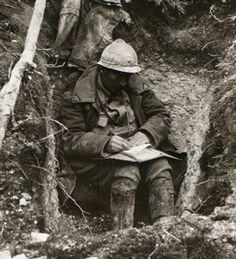 itsjohnsen:  A soldier writes home. The Battle of Verdun, 1916. Unattributed