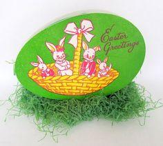 Egg-shaped candy box