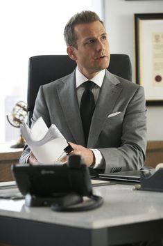 Trajes Harvey Specter, Harvey Specter Suits, Suits Harvey, Outfits Casual, Mode Outfits, Men Casual, Casual Styles, Suits Series, Suits Tv Shows