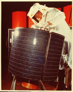 May 6, 1965: Launch of Intelsat 1 (Early bird), first (commercial) communications satellite to be placed in geosynchronous orbit.