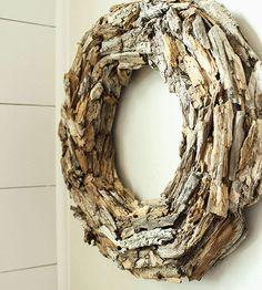 Love this pretty driftwood wreath! Love this pretty driftwood wreath! Driftwood Wreath, Driftwood Projects, Driftwood Art, Diy Wreath, Door Wreaths, Wooden Wreaths, Wood Animals, Beach Crafts, Diy Crafts