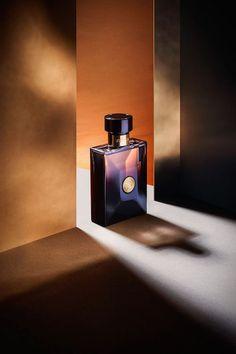 """""""El recuerdo es el perfume del alma""""; Amandine Aurore, Baronesa Dudevant y novelista francesa.     Aunque el perfume viste,confieso -en mi condición de ex fumador- que durante años tuv"""