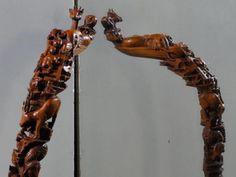 Bâton de l' Arche de Noé.... sculpture de Pierre Damiean. Voir le Site: www.pierdam.fr