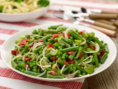 Get this all-star, easy-to-follow Marinated Vegetable Salad recipe from Trisha Yearwood