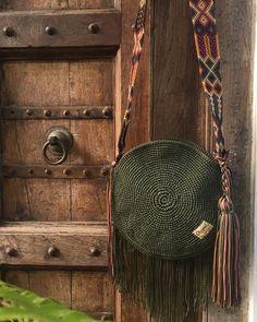 Tote Handbags, Purses And Handbags, Macrame Bag, Boho Bags, Patchwork Bags, Tapestry Crochet, Knitted Bags, Crochet Fashion, Handmade Bags
