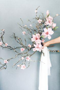 Ethereal Inspiration for the Fine Art Bride magnoliawedding Winter Wedding Flower Inspiration, Winter Wedding Flowers, Bridal Flowers, Flower Bouquet Wedding, Bridesmaid Bouquet, Spring Wedding, Magnolia Bouquet, Beach Wedding Favors, Wedding Souvenir