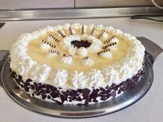 Eierlikör - Torte, ein beliebtes Rezept aus der Kategorie Torten. Bewertungen: 71. Durchschnitt: Ø 4,7. Tiramisu, Chili, Cake, Ethnic Recipes, Desserts, Food, Buffets, Food Cakes, Pot Pies