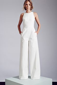 Sleeveless wide-leg jumpsuit by Novis. 35 Gorgeous Pantsuits and Jumpsuits for Brides Sleeveless wide-leg jumpsuit by Novis. Mode Style, Style Me, Vestidos Fashion, Wedding Jumpsuit, White Pantsuit Wedding, White Jumpsuit Formal, Elegant Jumpsuit, Gown Wedding, Bridal Gown