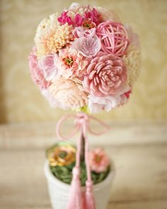 【100均DIY】ペパナプフラワーでできるトピアリーの作り方・デザインまとめ | marry[マリー] Dried And Pressed Flowers, Primroses, Topiary, Nifty, Flower Arrangements, Diy And Crafts, Floral Arrangements, Flower Arrangement