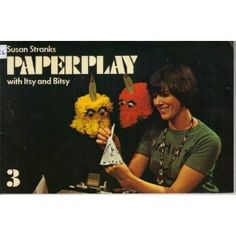 Paperplay with Itsy & Bitsy.and those people hiding in the background dressed in black working the puppets. Vaguely remember watching this when I came home from school for lunch. I think it was on before Rainbow and Pipkins. Retro Kids, 80s Kids, Kids Tv, 1970s Childhood, Childhood Memories, 70s Tv Shows, Vintage Television, Thanks For The Memories, Vintage Tv