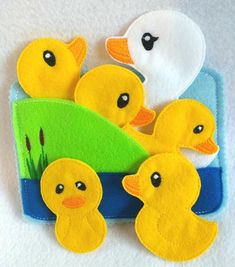5 little ducks Felt quiet book toddler page and flannel board play set Diy Quiet Books, Baby Quiet Book, Felt Quiet Books, Felt Board Stories, Felt Stories, Flannel Board Stories, Quiet Book Patterns, Felt Board Patterns, Sensory Book