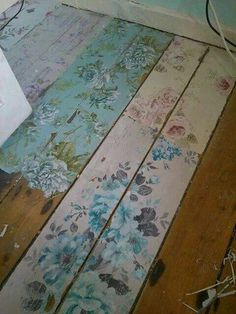 Create your own look with shabby chic flower floor boards http://www.moonlightbedrooms.co.uk/ More #ShabbyChic