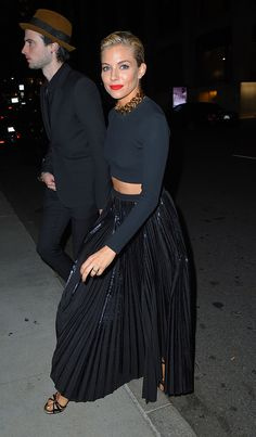 Full skirt + cropped top + statement necklace... sienna miller tom studridge