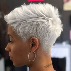 Kurze Haare😊 The Effective Pictures We Offer You About short grey hair over 30 A quality picture can Side Cut Hairstyles, Pixie Hairstyles, Asian Hairstyles, Hairstyles Pictures, Baddie Hairstyles, Shaved Hairstyles, Quick Hairstyles, Short Pixie Haircuts, Short Black Hairstyles