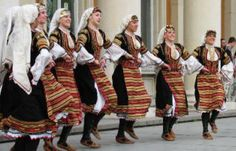 Bulgarian dancers