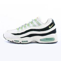 7956906e7fd96a 307960-231 - Nike  Womens Air Max 95 -