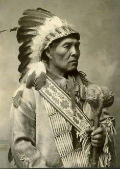 YELLOW HAMMER de la tribu de los MODOC año 1903