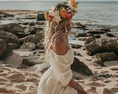 Dieser Artikel ist nicht verfügbar   Etsy Bohemian Style Wedding Dresses, Hippie Dresses, Hippie Bridesmaid Dresses, Boho Style, White Boho Dress, White Kaftan, Lace Dress, Tulle Dress, White Bohemian