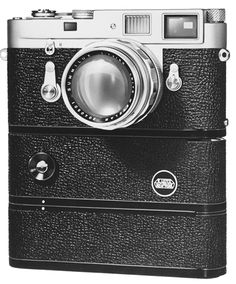 I love my leica Leica M, Leica Camera, Camera Lens, Old Cameras, Vintage Cameras, Photography Camera, Vintage Photography, Classic Camera, Retro Camera