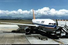 "South African Airways Airbus A300B2K-3C ZS-SDB ""Gemsbok"" at Cape Town-International, January 1986. Preparing for a flight to Johannesburg. (Photo: Len Preskow)"