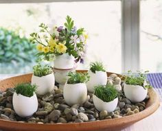 DIY & Crafts : diy-spring-easter-home-decorating-ideas-egg-shell-vases-pebbles-flowers-cress-grass