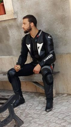 Hot converse, sneaks and biker gear! Mens Leather Pants, Tight Leather Pants, Biker Leather, Motorcycle Leather, Black Leather, Motard Sexy, Motorbike Leathers, Motorcycle Suit, Biker Boys