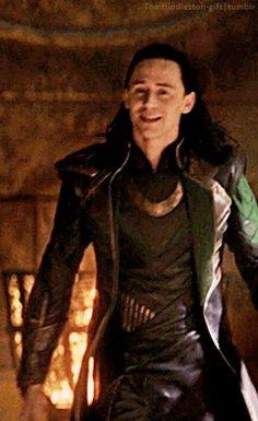 tomhiddleston-gifs: Loki + walking in Thor: The Dark World. Gif-set: http://tomhiddleston-gifs.tumblr.com/post/137302984459/loki-walking-in-thor-the-dark-world