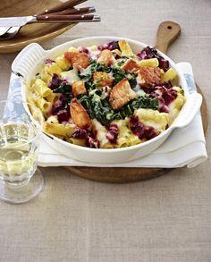 Unser beliebtes Rezept für Ofen-Rigatoni mit Lachs & Rote Bete und mehr als 55.000 weitere kostenlose Rezepte auf LECKER.de.