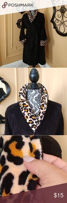 Soft Black & Leopard Print Wrap Robe New without tags. Black & Leopard Print Wrap Robe. Very soft Material. Size. M. Charter Club Intimates & Sleepwear Robes