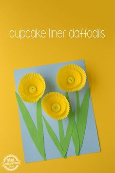 Looking for an easy and colorful spring craft for kids? We've got you covered! This Cupcake Liner Daffodil Craft is simple, adorable, and fun for kids of all ages. It's especially great for preschool aged children. Best of all, it requires minimal supplies and adult help! #craftsforkids