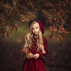 Award winning London and South Benfleet based photographer specialising in family and kids photography. Fall Family Picture Outfits, Fall Family Pictures, Family Photos, Kid Character, Girl Falling, Beautiful Babies, Children Photography, Cute Kids, Character Inspiration