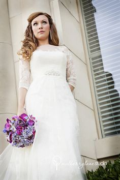 Mulberry Lane Studio - 	Fort Worth Photographers - Beautiful bride with purple bouquet