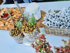 Casual outdoors buffet setting Catering, Buffet, Outdoors, Events, Table Decorations, Casual, Home Decor, Decoration Home, Catering Business