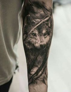 A hand with a black wolf tattoo tattoo wolf - diy tattoo project Wolf Tattoos, Elephant Tattoos, Animal Tattoos, Forearm Tattoos, Girl Tattoos, Tatoos, Hawaiianisches Tattoo, Tattoo Trend, Tattoo Ideas