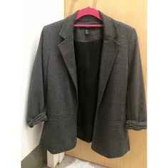 Gray Forever 21 Boyfriend Blazer Only worn a few times! In excellent condition! Perfect for business attire or business casual. Forever 21 Jackets & Coats Blazers