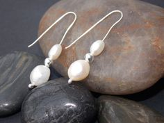 Beautiful freshwater cultured pearl and Sterling Silver drop earrings