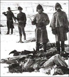On New Year's Day a burial party returned to Wounded Knee to find Lakota corpses frozen in gruesome positions beneath a newly-fallen snow. American Indian Wars, Native American Tribes, Native American History, Wounded Knee Massacre, Trail Of Tears, Native Indian, First Nations, Opi, Wild West