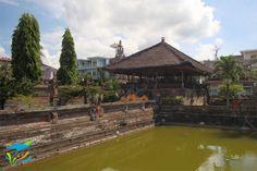Paviliun Kerta Gosa, tempat raja berkonsultasi masalah hukum dengan penasihat-penasihat dan pembantu-pembantunya. Bali