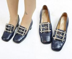 60s Shoes Pilgrim Size 5 / 1960s Shoes Silver by CrushVintage