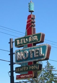 Bel-Air Motel Sign in Saginaw, Michigan Roadside Signs, Retro Signage, Building Signs, Vintage Neon Signs, Restaurant Signs, Neon Nights, Hotel Motel, Old Signs, Business Signs