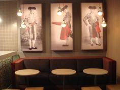 Ideas de #Contract de #Restaurante, estilo #Eclectico diseñado por EstudioBueno Decorador con #Mesas de comedor  #CajonDeIdeas http://planreforma.com/es/
