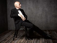 Patrick Stewart: Inside Mark Seliger's Portrait Studio at the 2014 Vanity Fair White House Correspondents' Party Studio Portrait Photography, Portrait Studio, Photography Poses, Fashion Photography, Party Photography, People Photography, Vanity Fair, Patrick Stewart, Annie Leibovitz