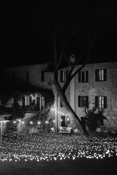 A Tuscan wedding held amongst ivy-covered walls and olive gardens romantically styled in rustic details… Tuscan Wedding, Ibiza Fashion, Visit France, Olive Gardens, Beautiful Villas, Italy Wedding, Farmhouse Chic, Alternative Wedding, Real Weddings