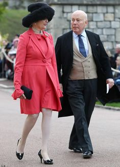 Emma Joy Kitchener and Julian Fellowes arrive ahead of the wedding of Princess Eugenie of York to Jack Brooksbank at Windsor Castle on October 2018 in Windsor, England. Get premium, high resolution news photos at Getty Images Princess Eugenie Jack Brooksbank, Princess Eugenie And Beatrice, Royal Princess, Pixie Geldof, Naomi Campbell, Julian Fellowes, Eugenie Of York, Bright Pink Dresses, Pregnancy Wardrobe