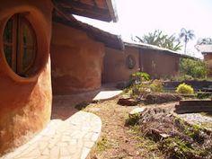 Construção ecologica em super adobe  sacos + terra