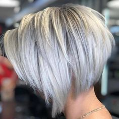 New Bob Haircuts 2019 & Bob Hairstyles 25 Bob Hair Trends for Women - Hairstyles Trends Modern Bob Hairstyles, Bob Hairstyles For Fine Hair, Pixie Hairstyles, Bobs For Fine Hair, Bandana Hairstyles, Casual Hairstyles, Fancy Hairstyles, Indian Hairstyles, Professional Hairstyles