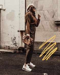Photo by Lindsey Lutz | Life Lutzurious on December 02, 2020. May be an image of one or more people, footwear and outerwear. Spring Fashion Outfits, Spring Fashion Trends, Ootd Winter, Mom Style, Everyday Fashion, Stylish Outfits, High Fashion, December, Footwear