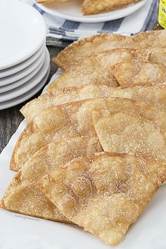 Flaky, Cinnamon Crisps make for a great snack or game day food! Super easy and delicious. livelaughrowe.com