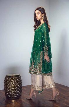 for me mehndi Pakistani Fashion Party Wear, Pakistani Wedding Outfits, Bridal Outfits, Indian Outfits, Indian Fashion, Latest Pakistani Fashion, Shadi Dresses, Pakistani Formal Dresses, Pakistani Dress Design